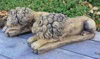 Canova Chatsworth Lions pair of garden ornaments